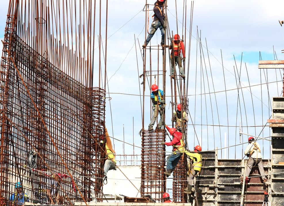 Jakie korzyści wynikają z zatrudnienia pracowników z Ukrainy?