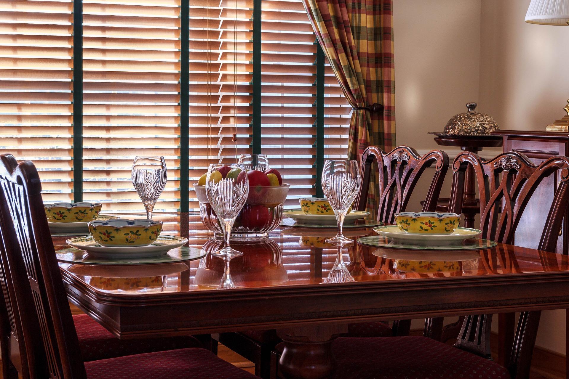 Jak wybrać odpowiednie rolety okienne i jakie są ich rodzaje?