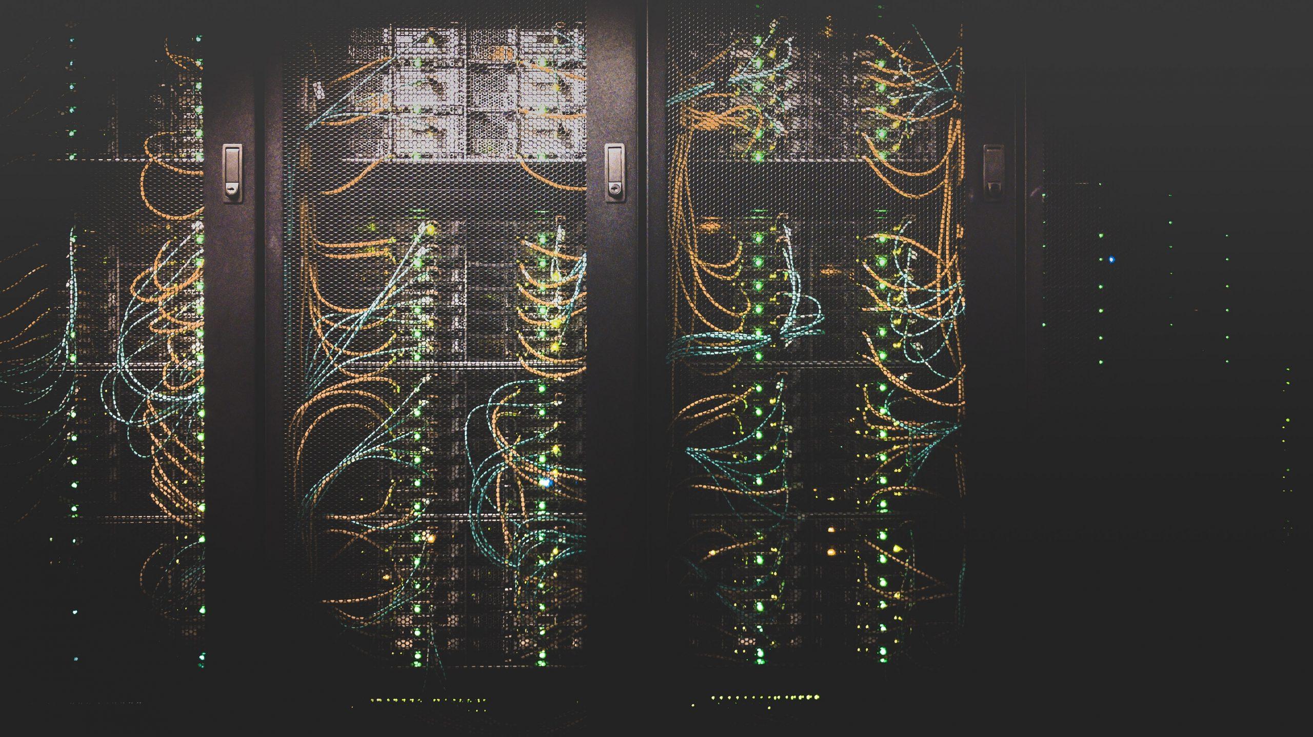 Czym powinien odznaczać się serwer dla naszej strony firmowej?